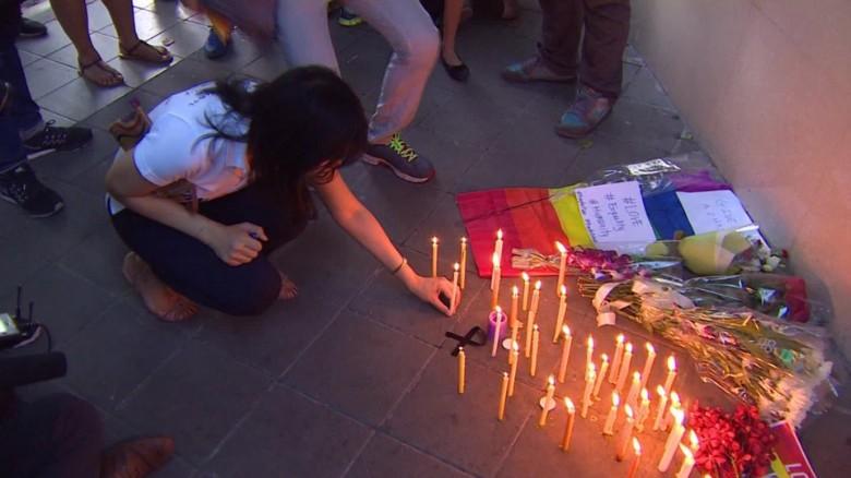 160613171350-orlando-shooting-vigils-around-the-world-orig-00010622-exlarge-169