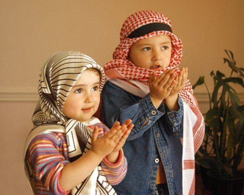 Muslim-Girl-Praying-Stock-Photos