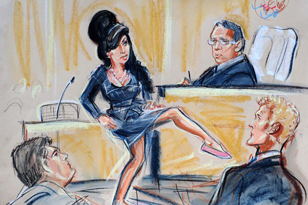 a99420_Singer Amy Winehouse showing judge her shoes to prove she was so small