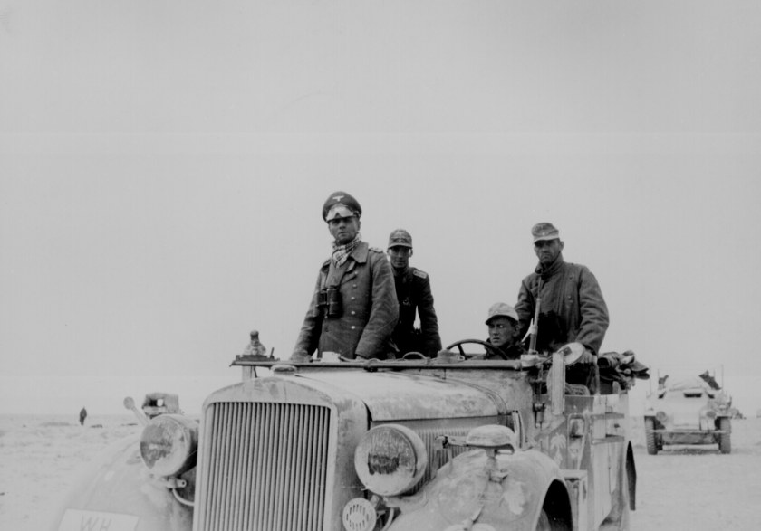 Rommel-with-the-15th-Panzer-Division-in-North-Africa